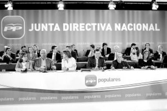 """Rajoy defenderá el honor de los cargos públicos acusados """"porque son inocentes"""""""