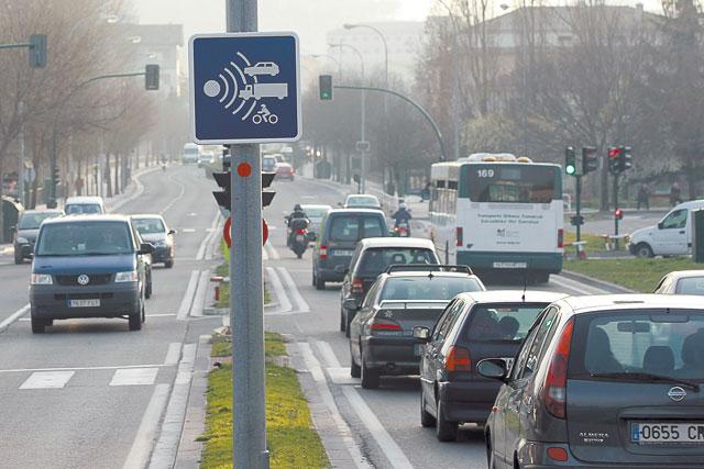 """Los nuevos radares fijos """"cazan"""" a 11 conductores en su primer día"""