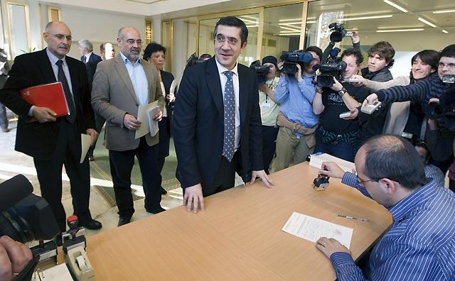 """López (PSE) prevé un Gobierno """"estable"""" con el PP como socio """"preferencial"""""""