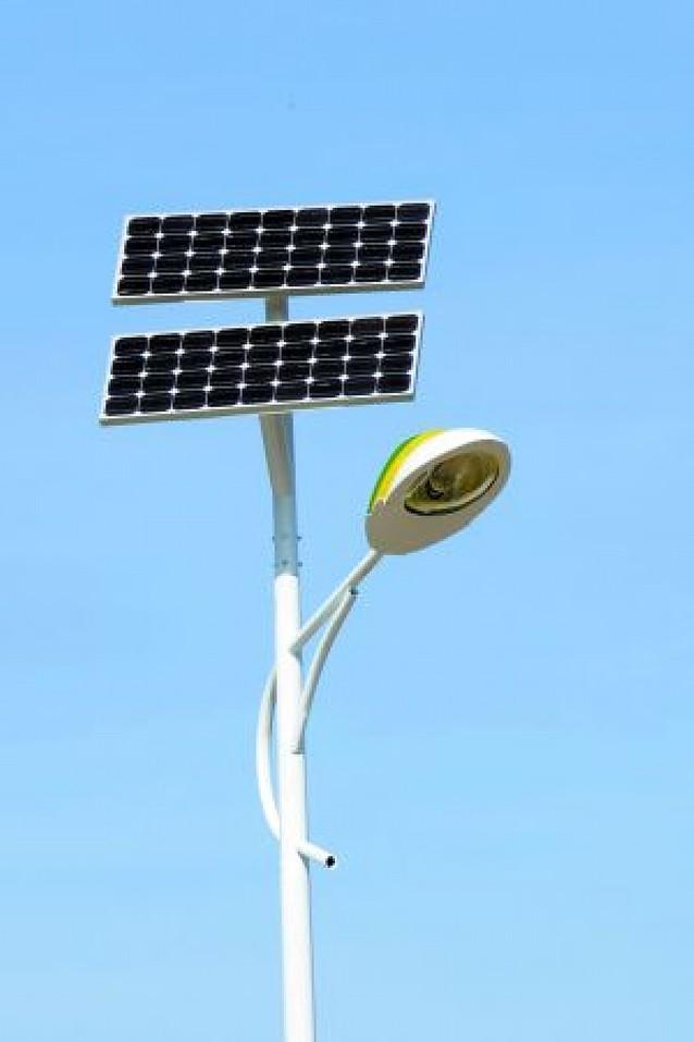 Tafalla coloca 4 farolas solares que permitirán mayor ahorro energético