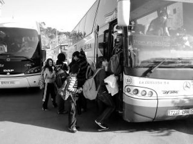 La Estellesa amplía sus paradas en Mañeru y Cirauqui en laborables