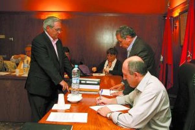 Los grupos apoyan retrasar la aprobación de los presupuestos para negociarlos