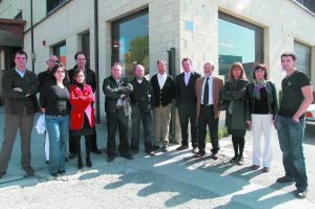 Empresas de Mutilva Alta llevan tres semanas con cortes en el teléfono