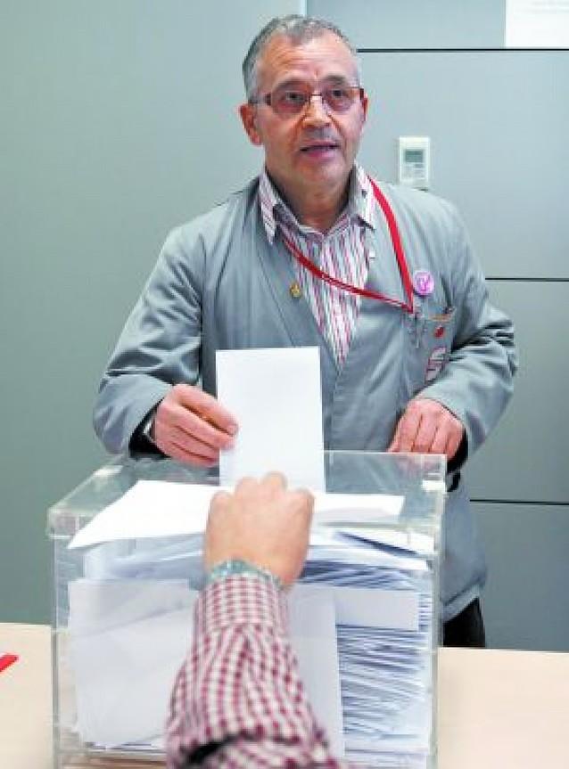 Los 13.000 trabajadores de Seat votaron ayer la congelación salarial