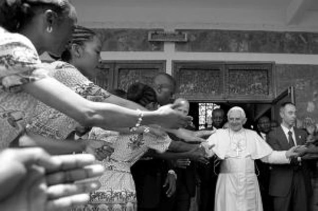 Benedicto XVI defiende la vida de los no nacidos y la familia cristiana