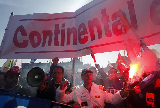 Nueva protesta y más numerosa contra la política de Sarkozy ante la crisis