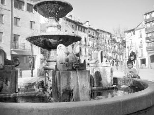 El agua vuelve a 11 fuentes de Estella tras permanecer cortada en invierno