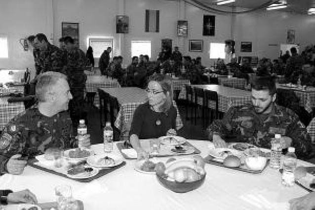 El Gobierno da por cumplida la misión en Kosovo y retira las tropas
