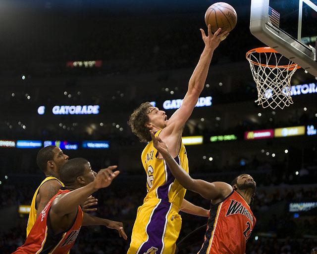 Pau Gasol, clave en la victoria de Lakers sobre Warriors (114-106)