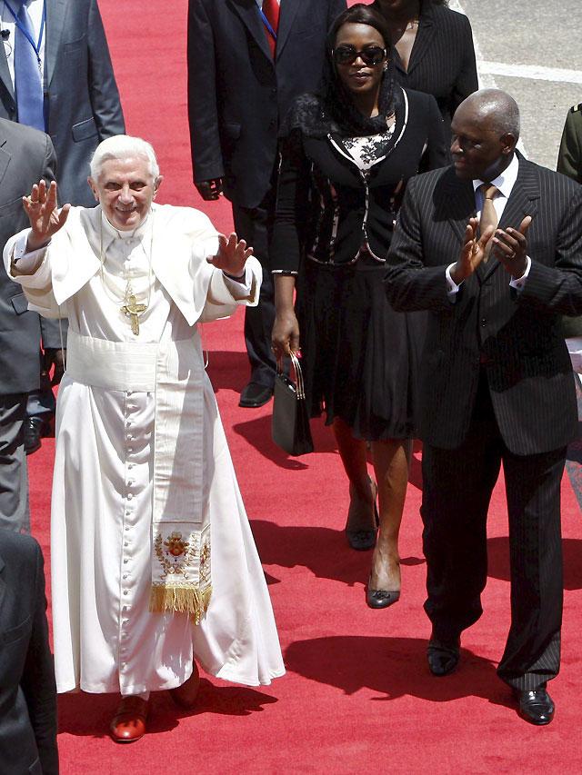 El Papa llega a Luanda en el 500 aniversario de la evangelización de Angola