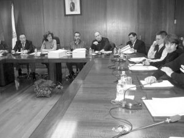 La alcaldesa defiende la legalidad en la contratación con el fondo estatal