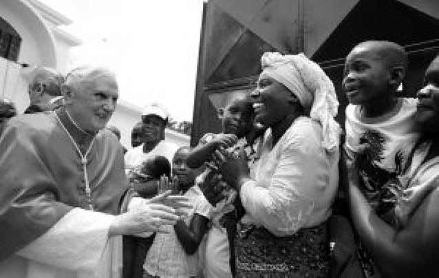 El Papa anima a los angoleños a superar con fe las secuelas de la guerra