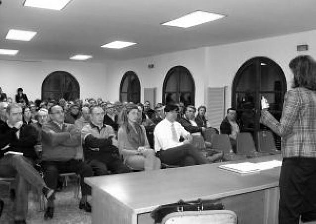 Barcina prepara su liderazgo en UPN en reuniones con afiliados por toda Navarra