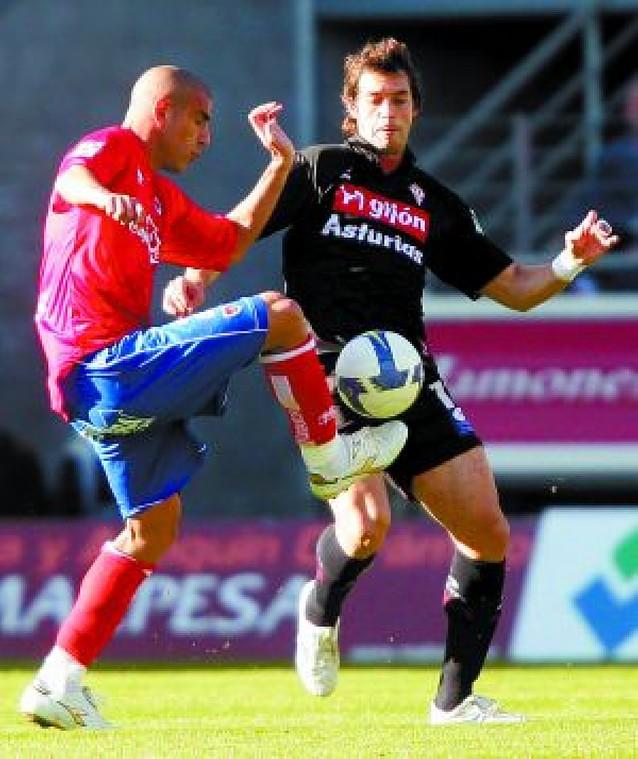 El Numancia gana al Sporting y se aferra a la permanencia