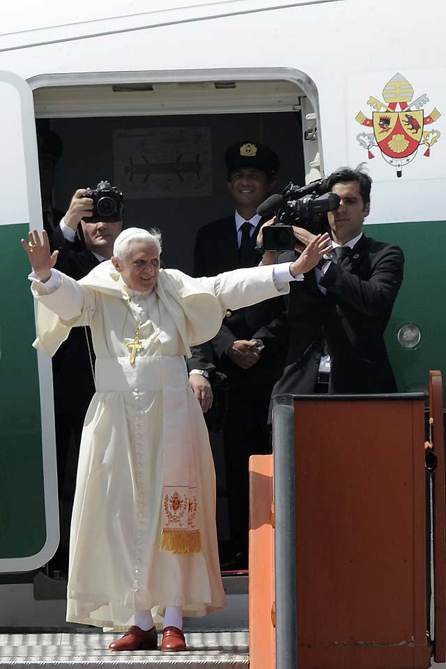 Benedicto XVI finaliza en Luanda su primera gira africana