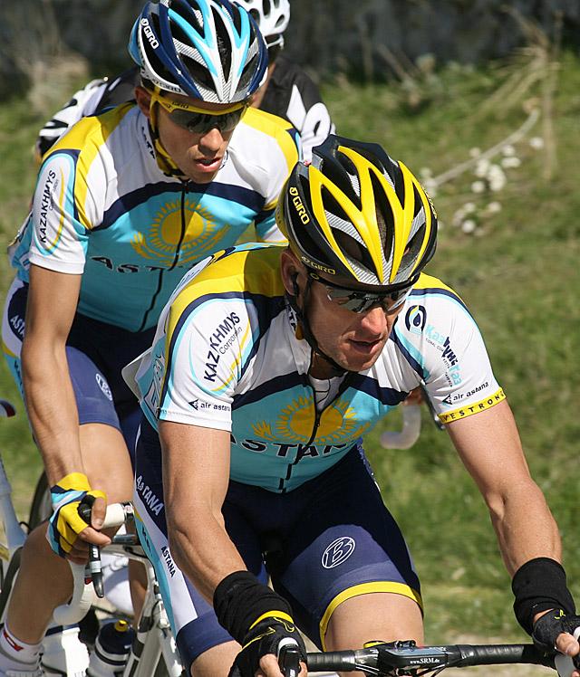 Armstrong se daña la clavícula en una caída en el inicio de la Vuelta a Castilla y León