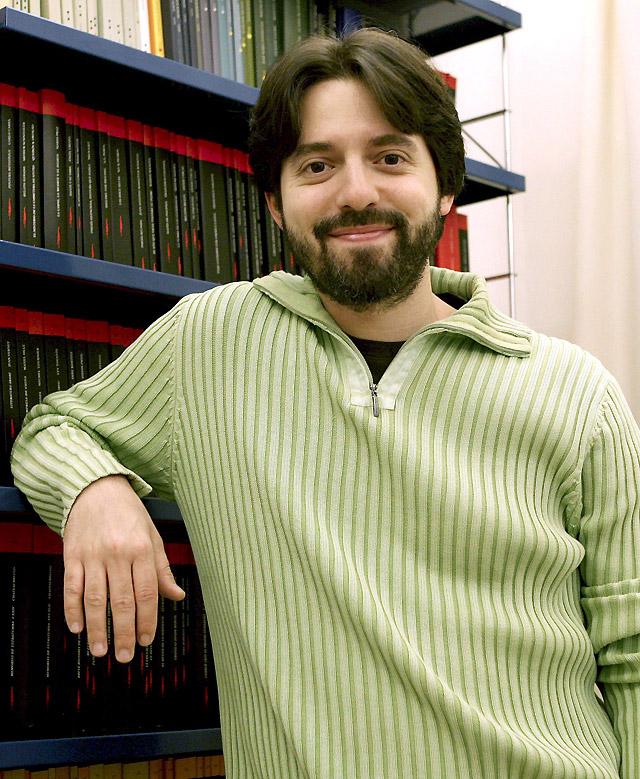 Andrés Neuman gana el Premio Alfaguara de Novela 2009