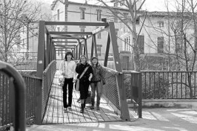 Amife propone el traslado al puente de San Juan de la pasarela de la calle Doctor Huarte