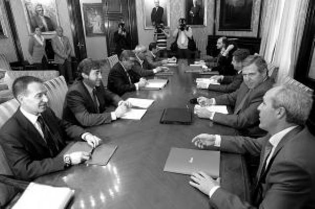 El comité que sigue la crisis cree prioritario el fomento del empleo