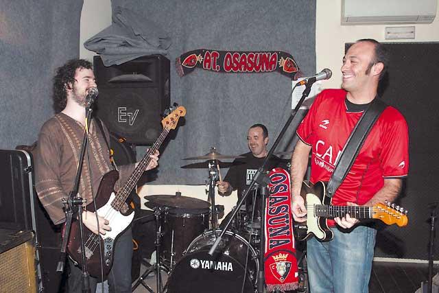 Rock y chirigota para la canción del Yo no bajo