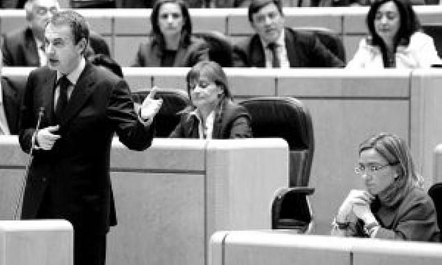 El PP cree que la retirada de Kosovo es otra maniobra para no hablar de la crisis