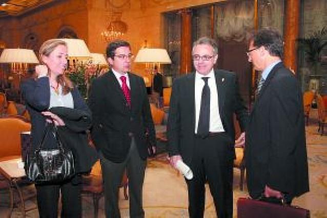 Sanz anuncia que Caja Navarra negocia alianzas estratégicas con otras cajas
