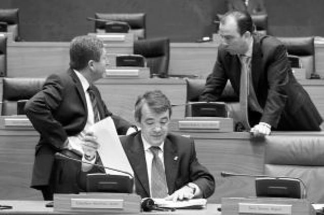 El Parlamento pide una política ágil en los avales a empresas