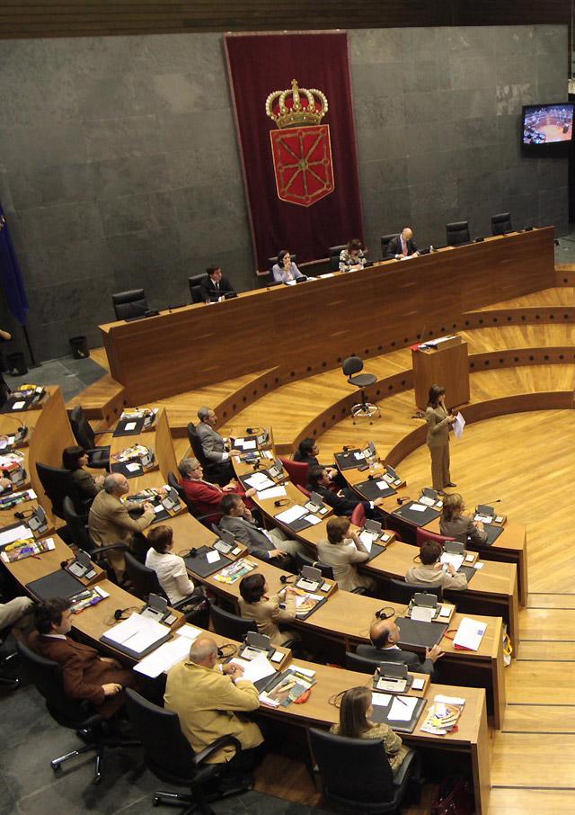 Los grupos celebran los 30 años de parlamentarismo
