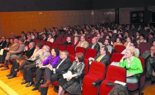 El Consejo Escolar analiza la participación de la sociedad en la enseñanza