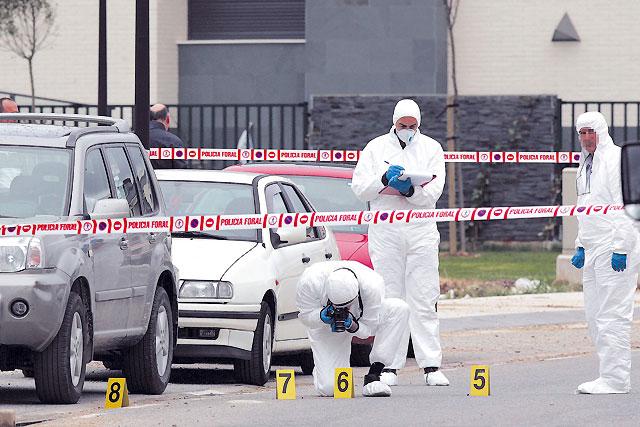 Muere una mujer de 33 años tras ser tiroteada por dos encapuchados en Cordovilla