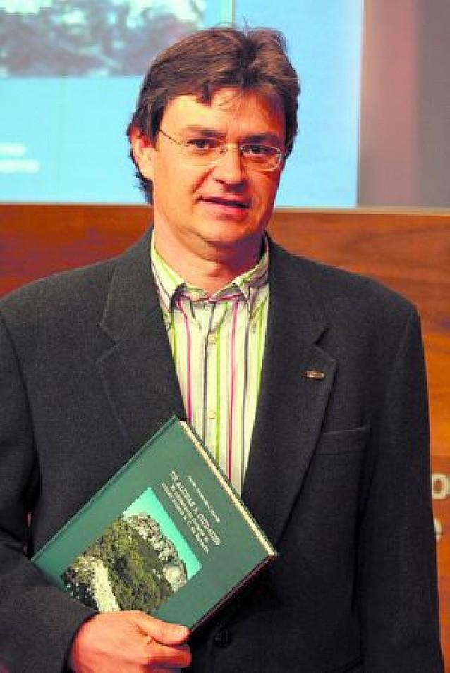 Javier Armendáriz recorre en un libro los poblamientos en Navarra desde el 1000 a.C.