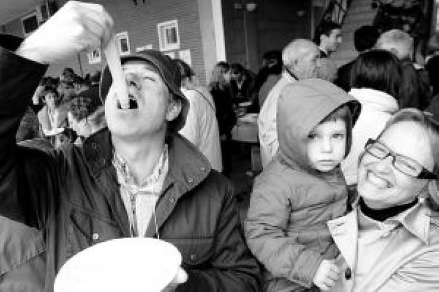 La primera feria gastronómica de Andosilla recibe a 1.300 visitantes
