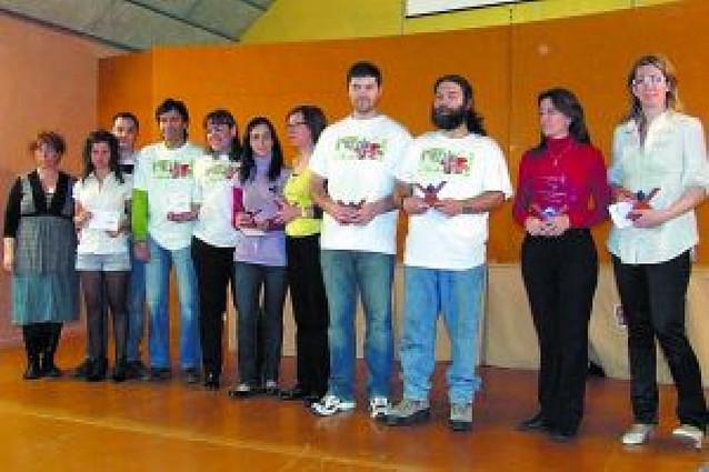 Dos hermanas de Figueruelas montan el mejor puzzle del XIII Concurso de Castejón
