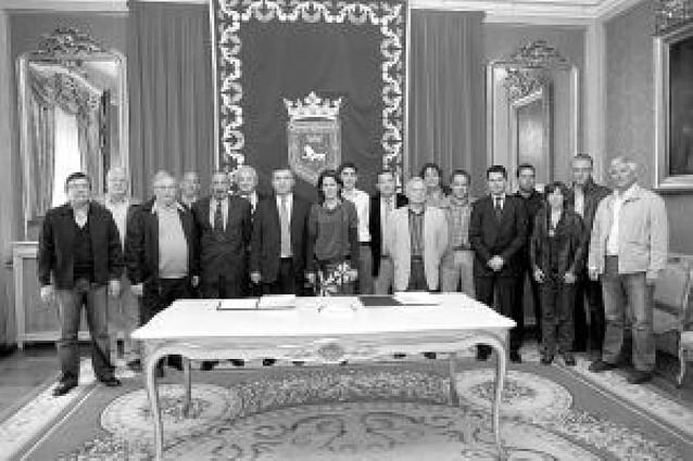 Pamplona firma convenios con 14 escuelas deportivas