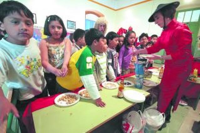 El centro escolar de las Escuelas de San Francisco celebra la Semana Intercultural
