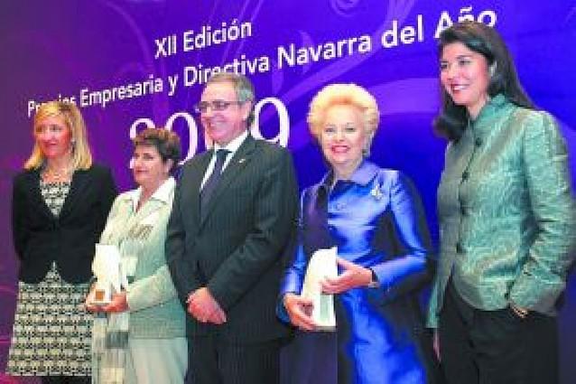 Mª Pilar Morales y Maite Ecay reciben los premios Empresaria y Directiva del año