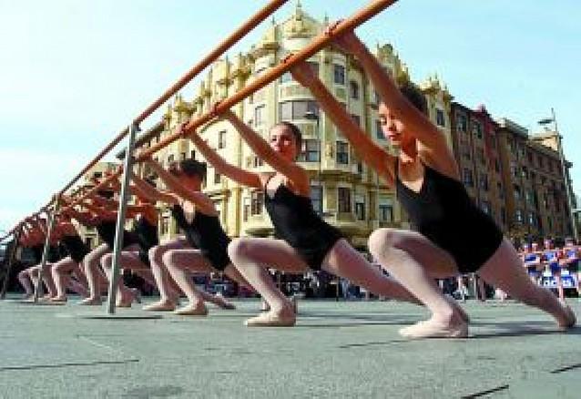 Clase de ballet en la calle