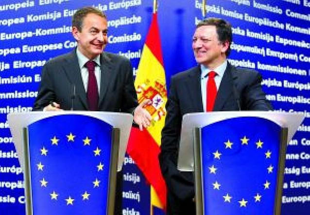 """""""Es probable que lo peor de la crisis haya pasado ya"""", dice Zapatero en Bruselas"""