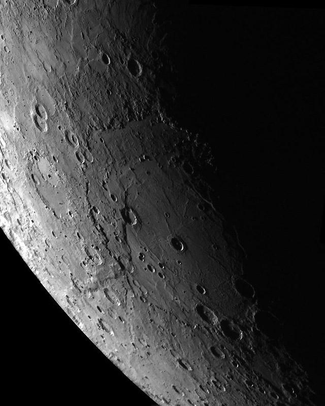 La sonda Messenger detecta en Mercurio una gran actividad atmosférica