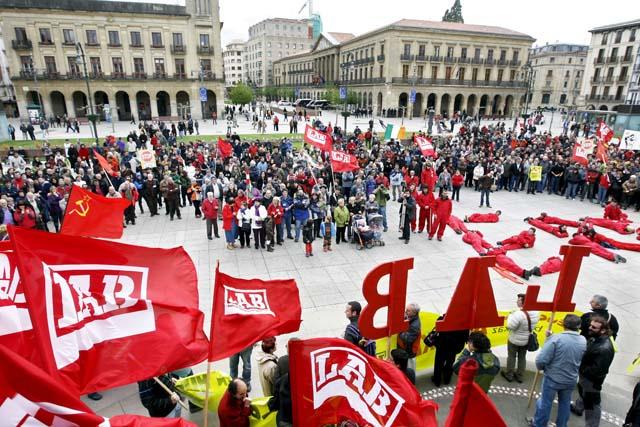 CCOO y UGT advierte a Zapatero para que no ceda a las pretensiones de la CEOE