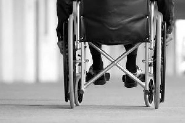 El Gobierno ajusta más las ayudas para dependientes a la renta y eleva el tope