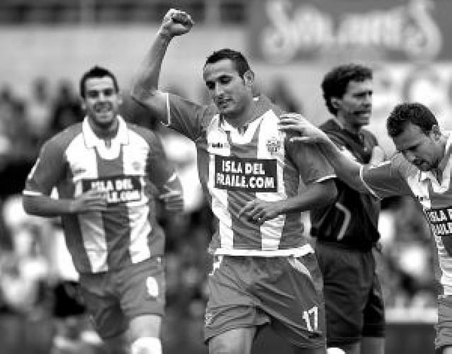 El Almería se anota 3 puntos
