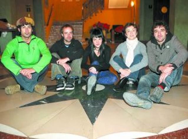 """El Gayarre ofrece hoy con entrada libre """"Virtual"""", una obra sobre la soledad"""