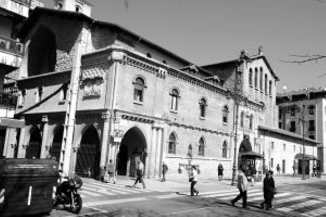 San Nicolás restaura su fachada del paseo de Sarasate