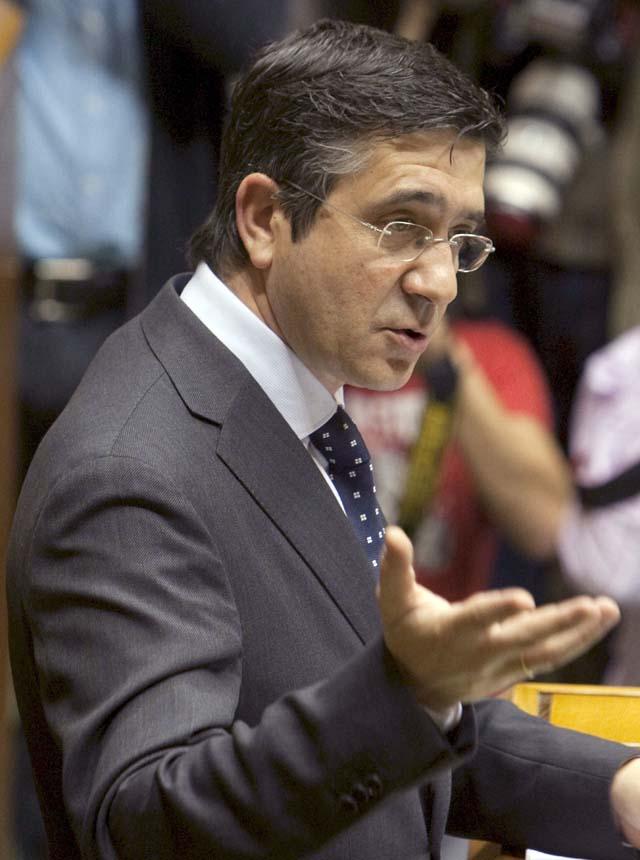 Patxi López priorizará la lucha contra ETA y el desarrollo del Estatuto de Gernika