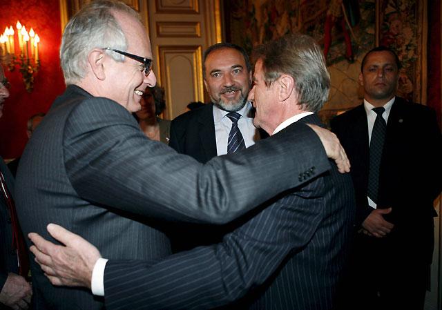 """Francia pide a Israel a retomar """"con urgencia"""" las negociaciones de paz"""