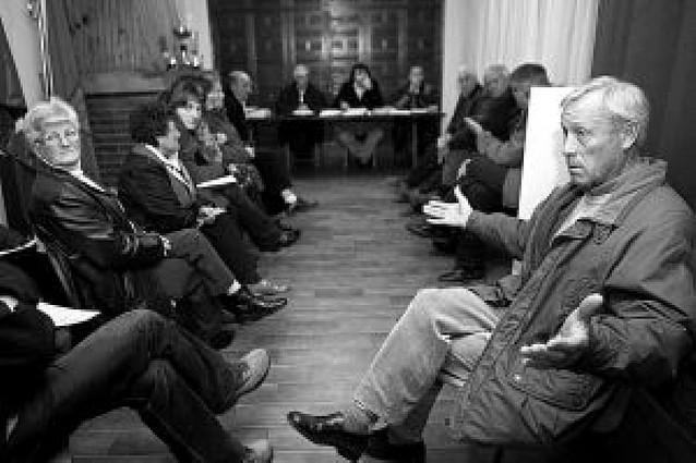 La Fiscalía imputa al alcalde y al secretario de Etayo por prevaricación