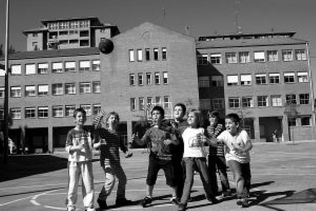 Pamplona baraja abrir algunos patios escolares al público el fin de semana
