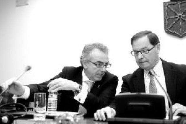 Los cargos políticos no podrán estar en los órganos rectores de Caja Navarra