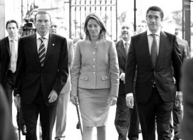 Patxi López promete el cargo y comienza su programa de nuevos tiempos